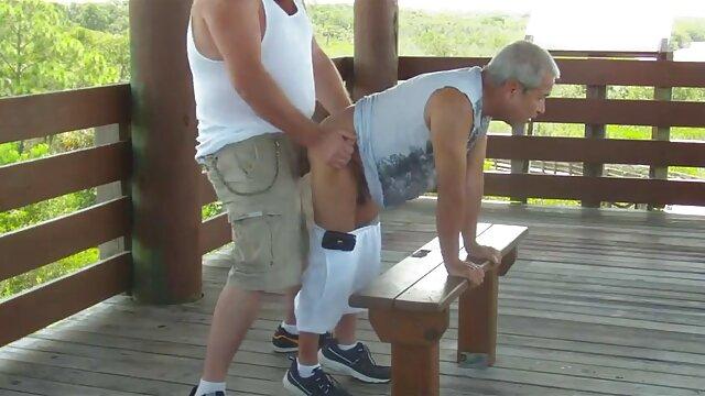 Puta pelirroja sueña con el esperma videos de sexo con adultos mayores de un chico